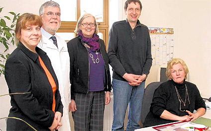 Kerstin Voigtländer, Dr. Wolf-Rainer Krause, Beate Theermann und Dirk Michelmann wünschen Edelgard Krüger (von links) für ihre neue Aufgabe viel Erfolg.
